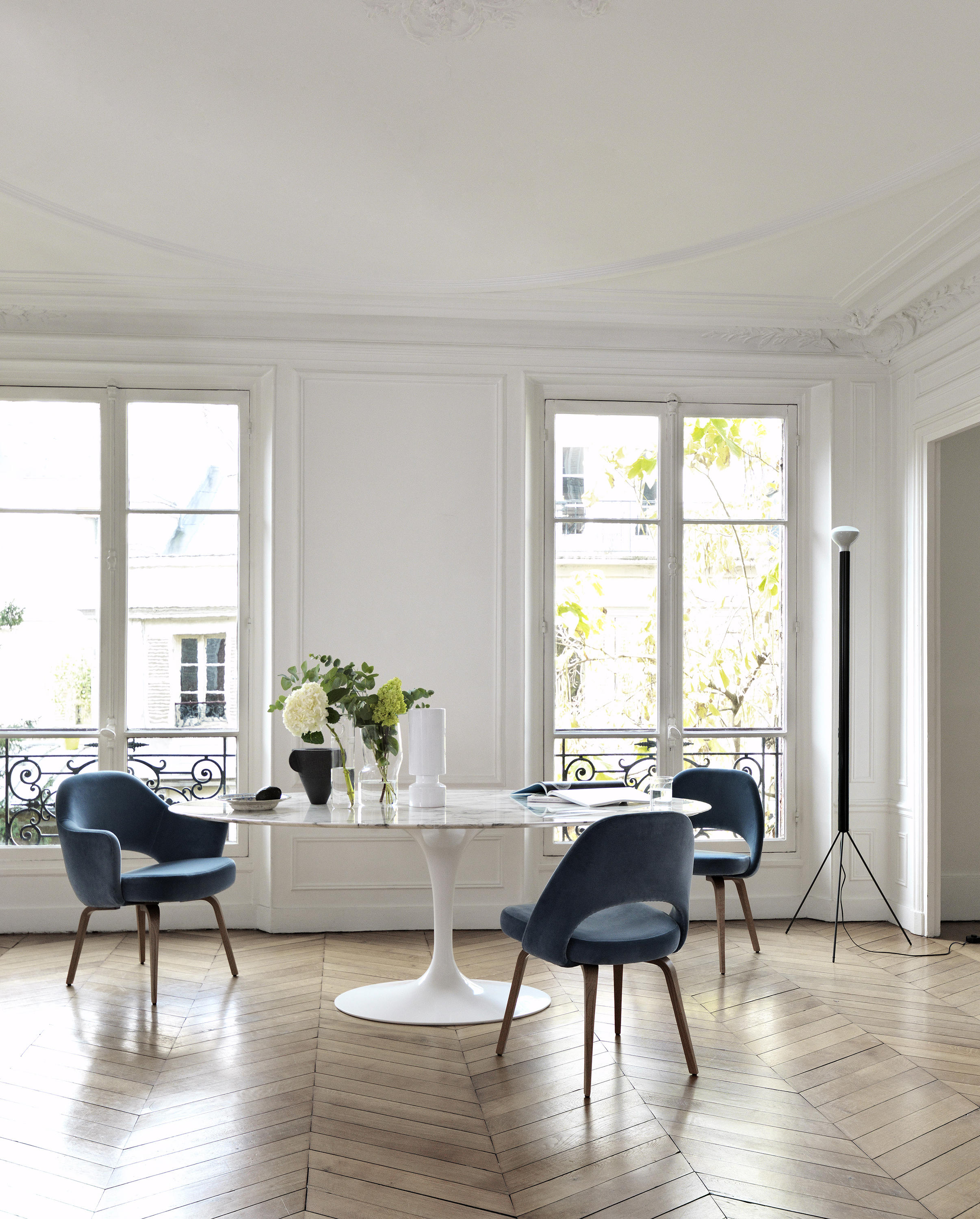 SAARINEN TULIP LOW TABLE  Coffee tables from Knoll