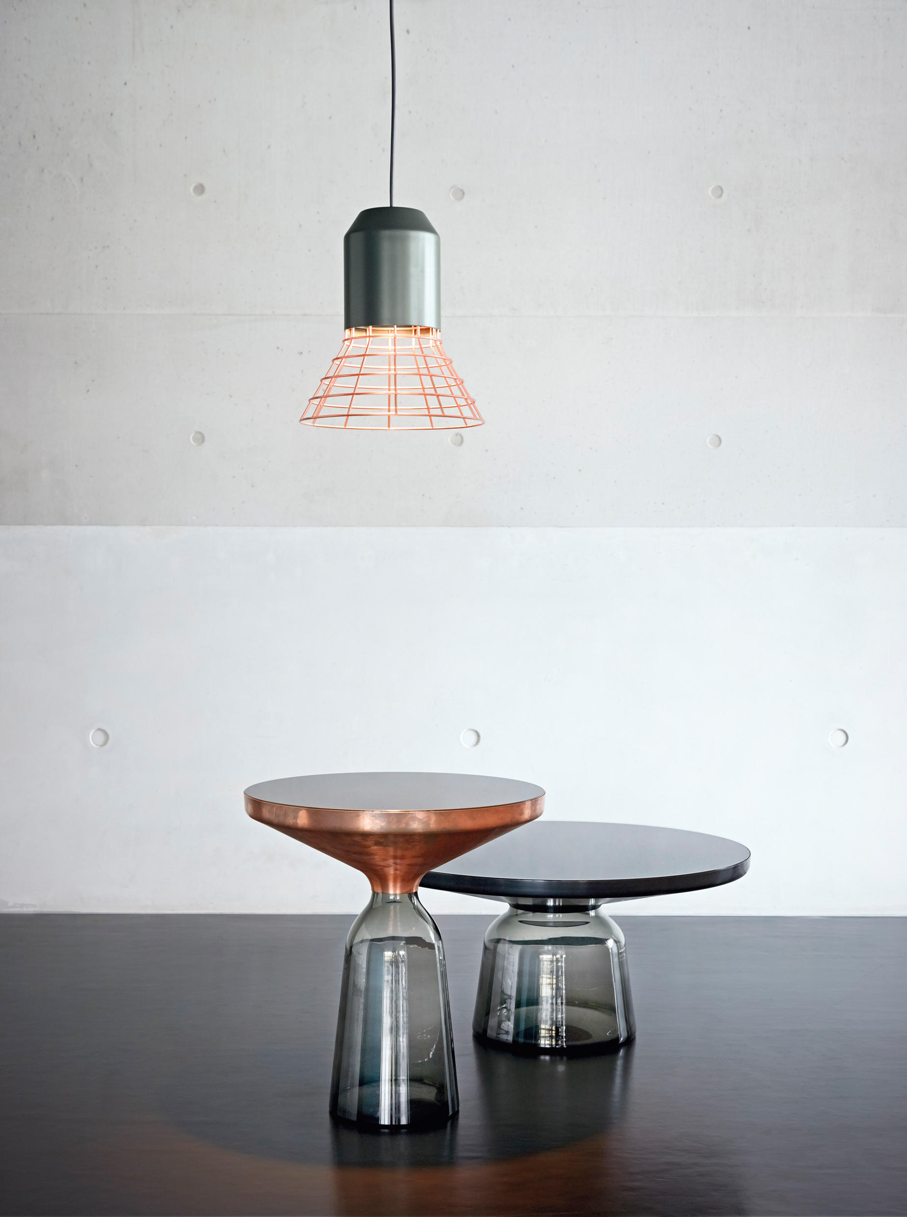 black table and chairs steel chair buy online bell coffee - tables from classicon | architonic