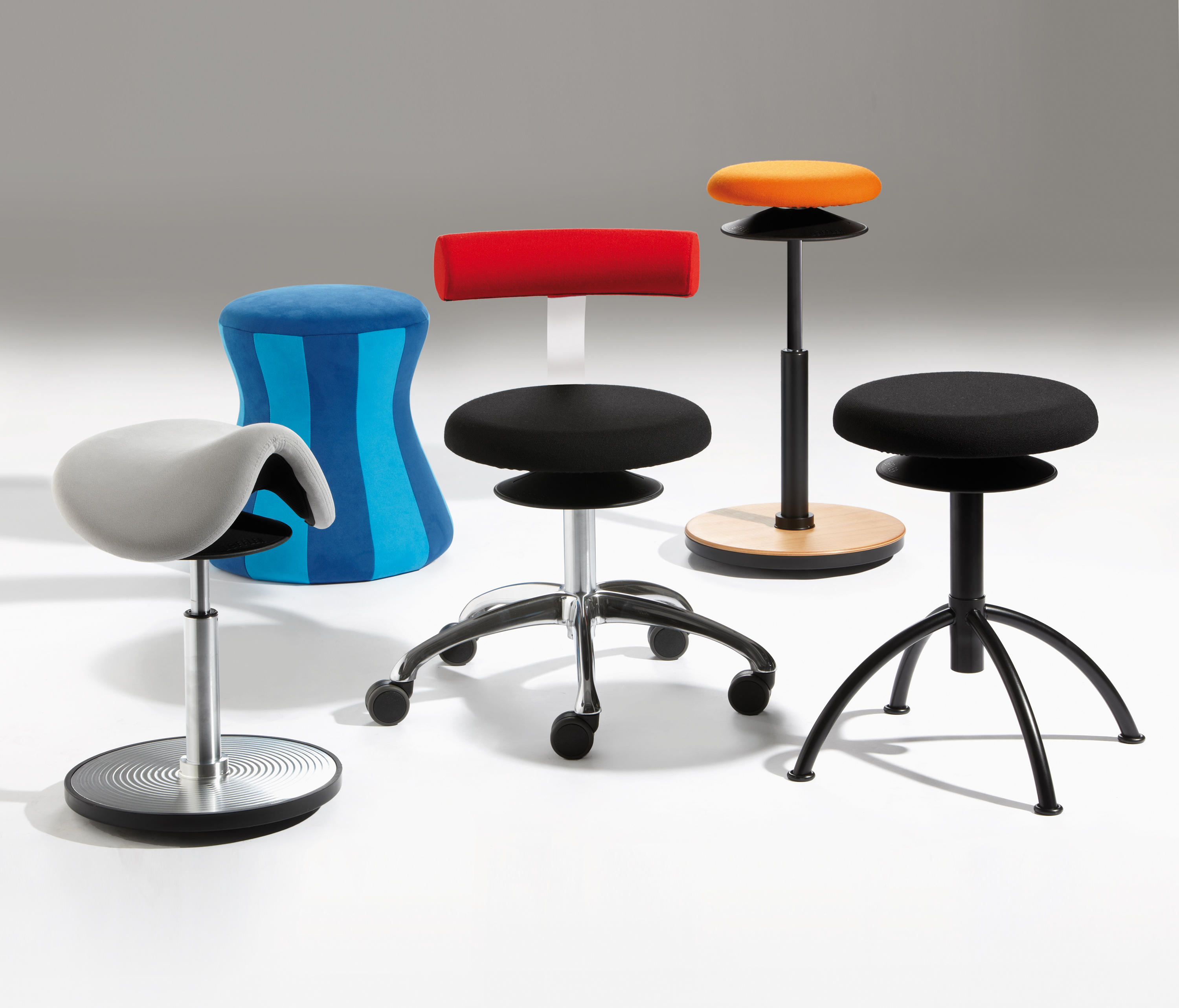 stand lean chair invisible trick prop ergo stools from lÖffler architonic