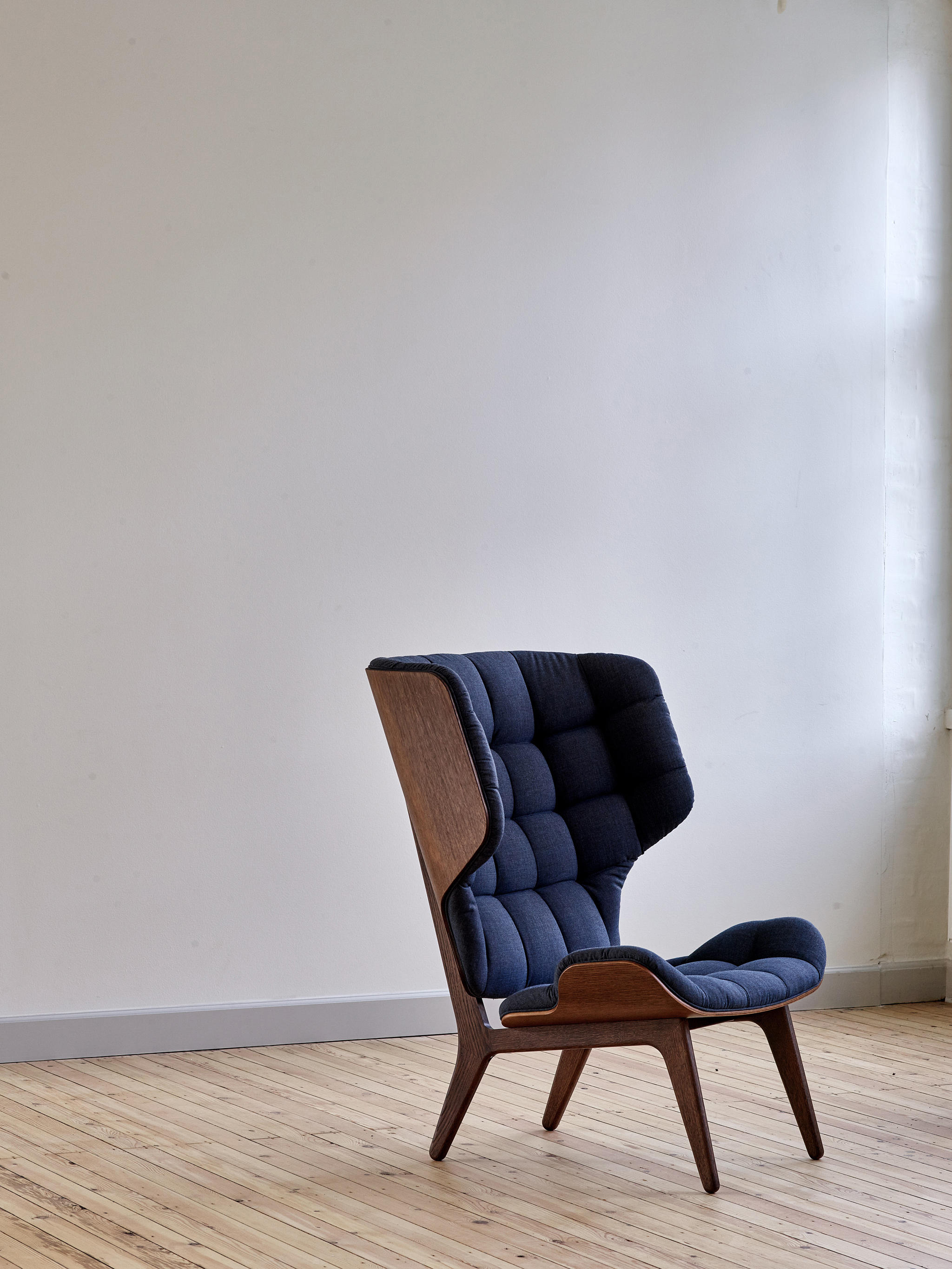 MAMMOTH CHAIR LIMITED EDITION BLACK FABRICKVADRATBASEL 189 FABRIC KVADRAT BASEL 189  Lounge