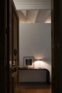 MAYFAIR TABLE LAMP - General lighting from Vibia | Architonic