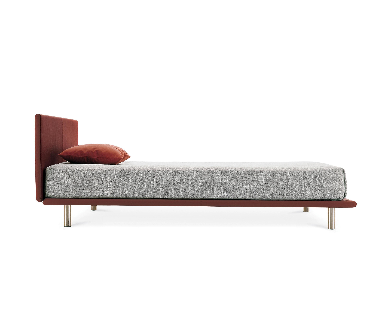 zanotta sofa bed leather set 3 1 1322 kim milia thesofa