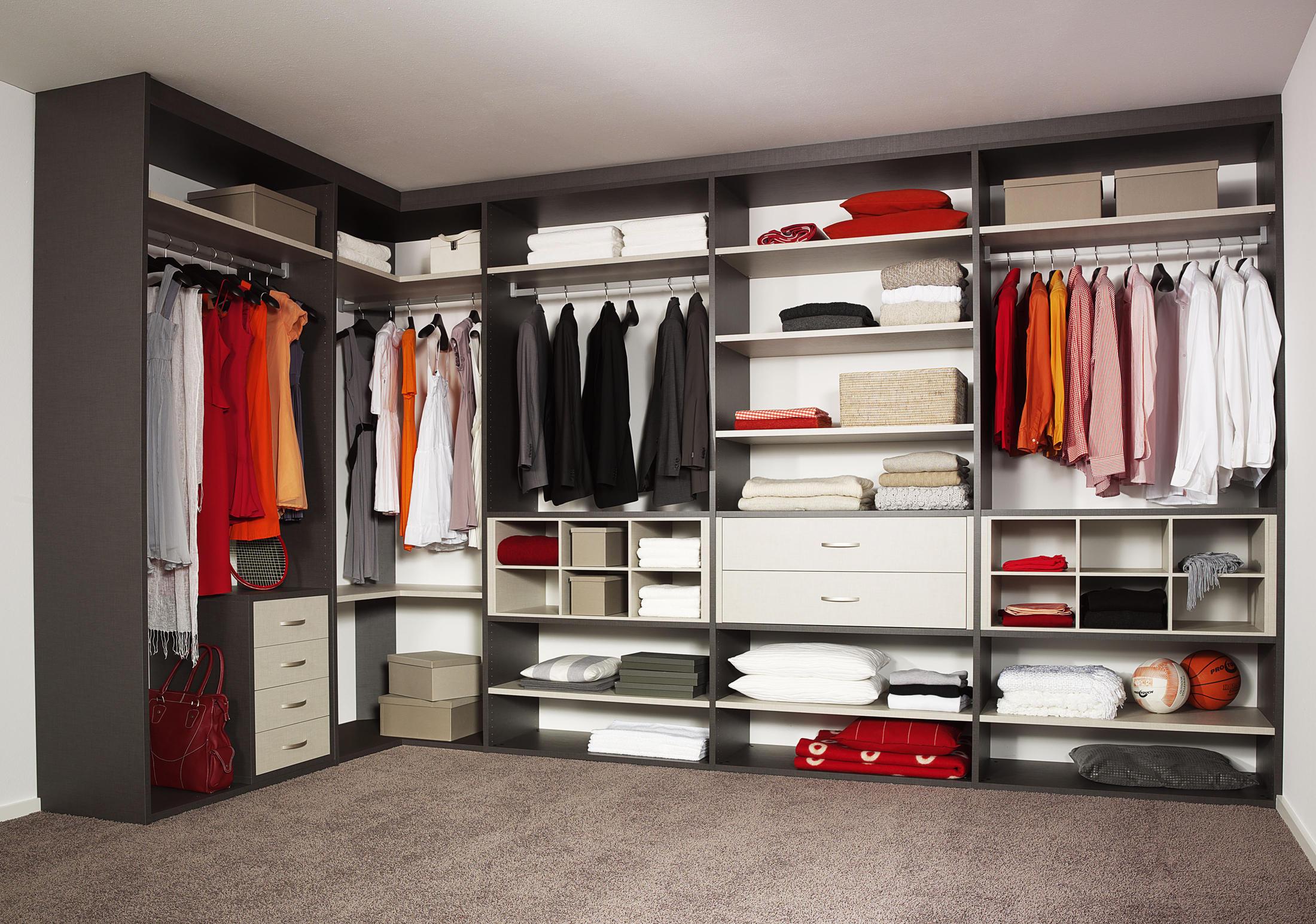 LEGNO INTERIOR CLOSET STORAGE SYSTEM Walk In Wardrobes