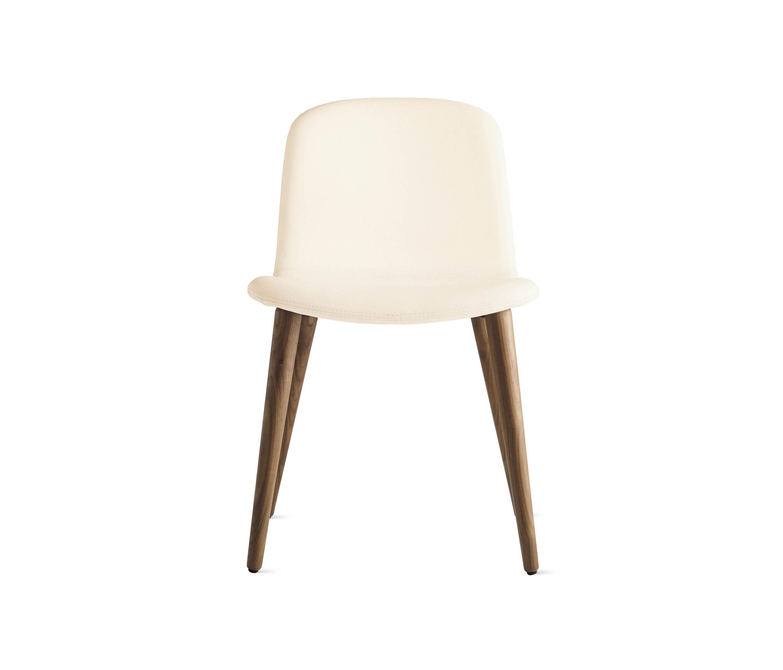 design within reach chair walnut hula bacco in leather legs besucherstühle von