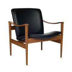 Design Within Reach Chair Walnut Rustic Side Modell 711 Lounge Chairs From