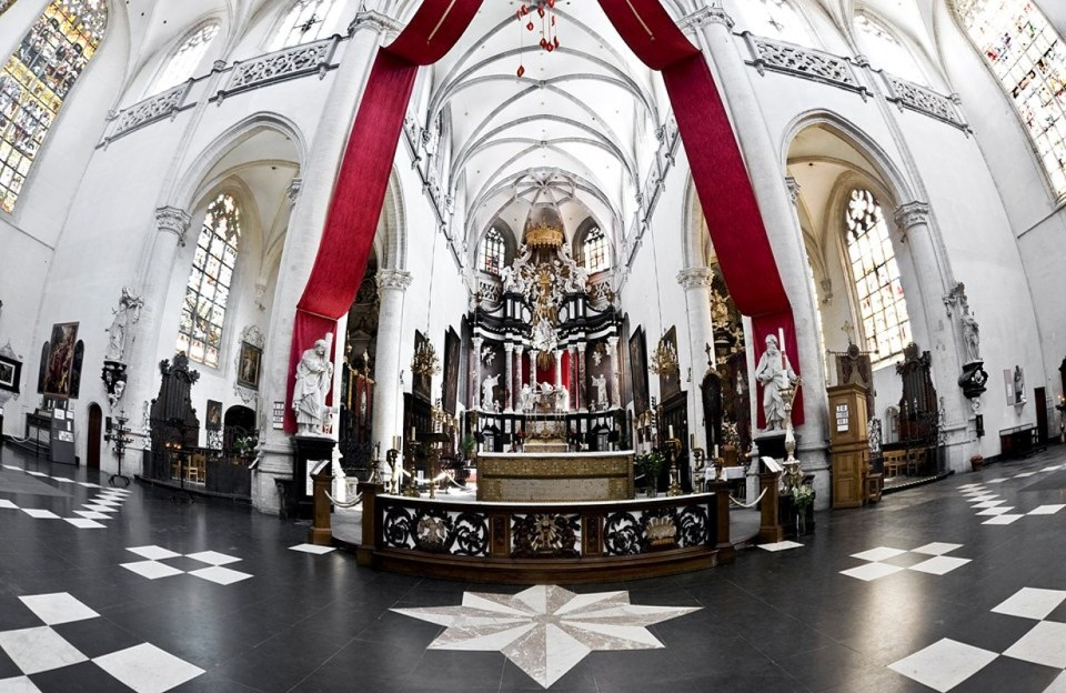 La Iglesia de San Andrés - Amberes - Arrivalguides.com