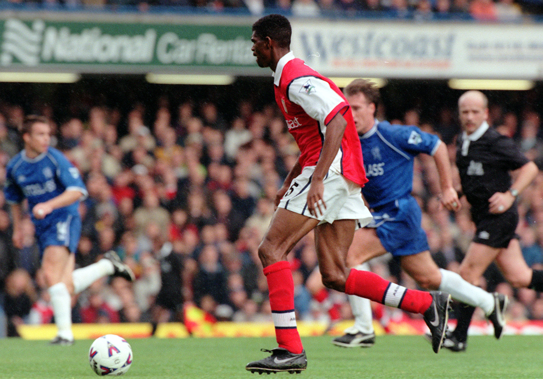 Kanu scored a 15-minute hat-trick as Arsenal came from two goals down to win 3-2 at Stamford Bridge in October 1999.