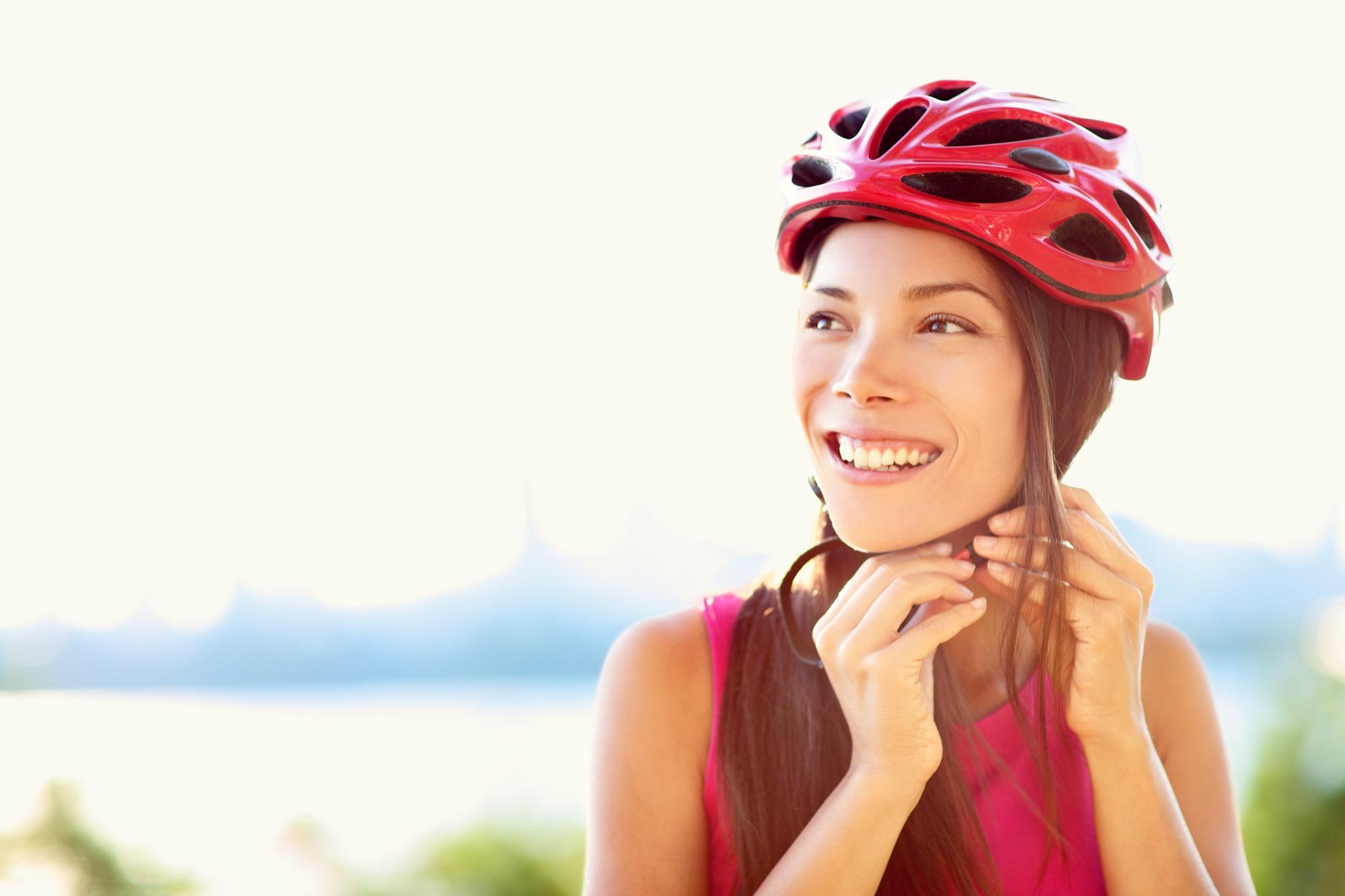 Fahrradhelmfrisuren Wir Zeigen Euch 5 Geniale Frisuren BRIGITTE De