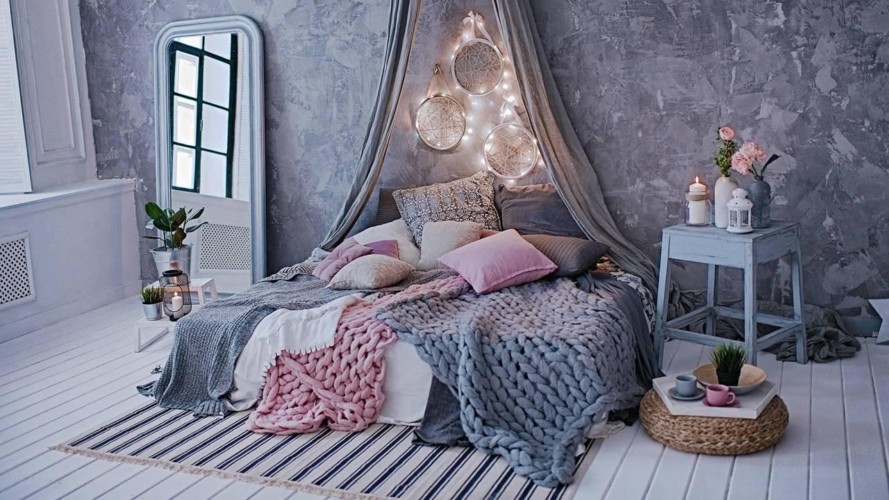bett mit tagesdecke machen tagesdecke bett n hen. Black Bedroom Furniture Sets. Home Design Ideas