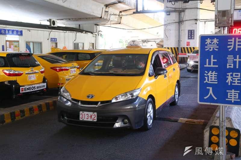 補助來了!交通部擬發放計程車,遊覽車駕駛津貼,每人月領1萬元,連領3個月!-風傳媒