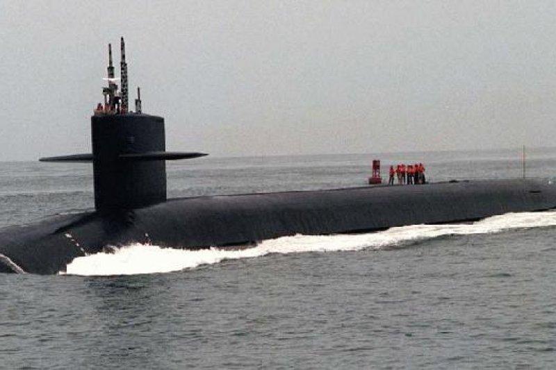 美國海軍重大醜聞》潛艇裝針孔 長期偷拍女兵洗澡 士兵遭判2年徒刑 -美國 醜聞 軍紀 潛艇 美國海軍-風傳媒