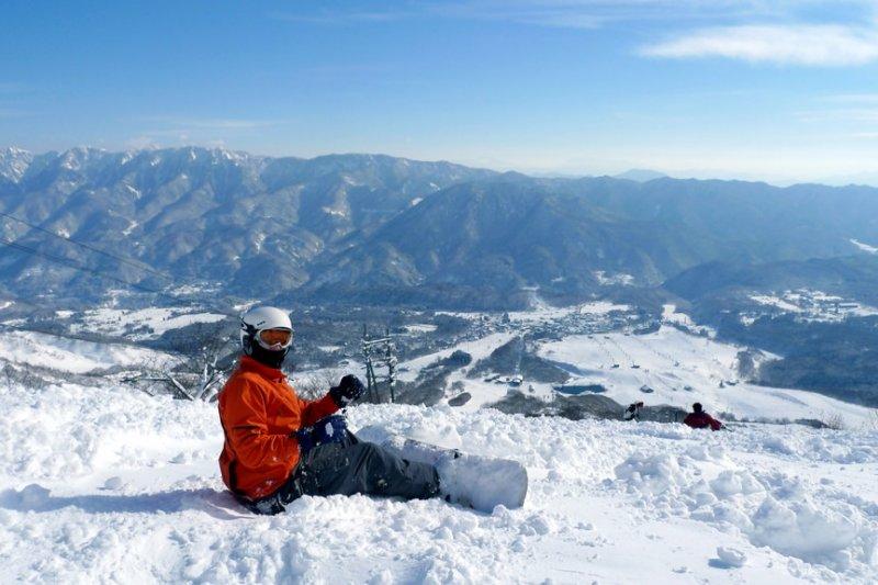 日本滑雪不是夢!歷經摔昏,腦震盪,骨折,她如何從菜鳥進化到初階特技?-風傳媒