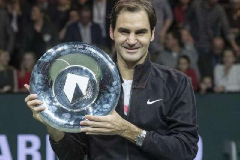 網球》慶祝重登球王 費德瑞鹿特丹網賽奪冠-風傳媒