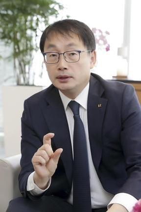 KT 이상모, 네이버 · 카카오와 싸울 '한국판 넷플릭스'설립