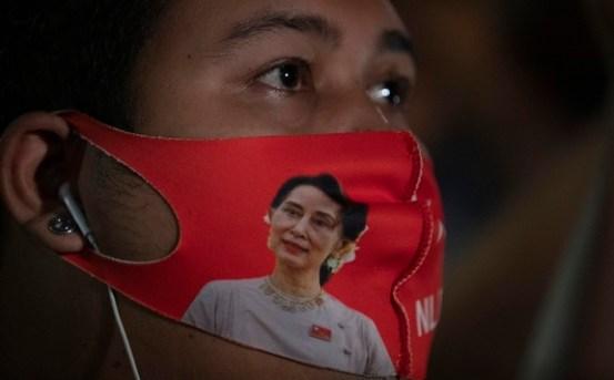 """미얀마 쿠데타에 저항하는 민간 정부""""혁명이 임박했다"""""""