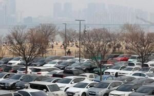 수도권 30 개 공원 및 백화점 검역 강화 … 현대 사용자 30 % 감축