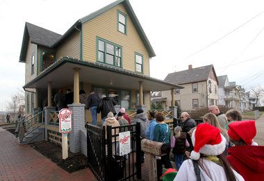 A Look Inside A Christmas Story House And Museum Leg