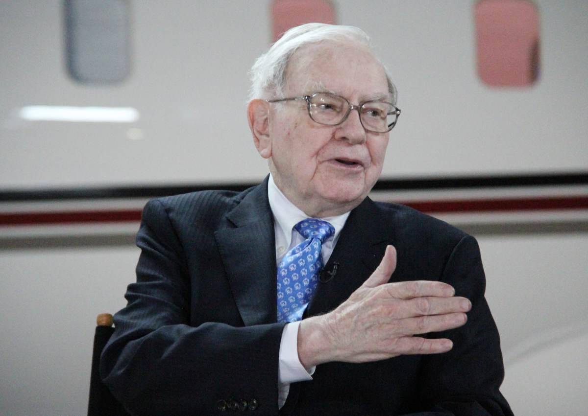 Reusable: Warren Buffett Squawk Box 05-06-2013 - 004