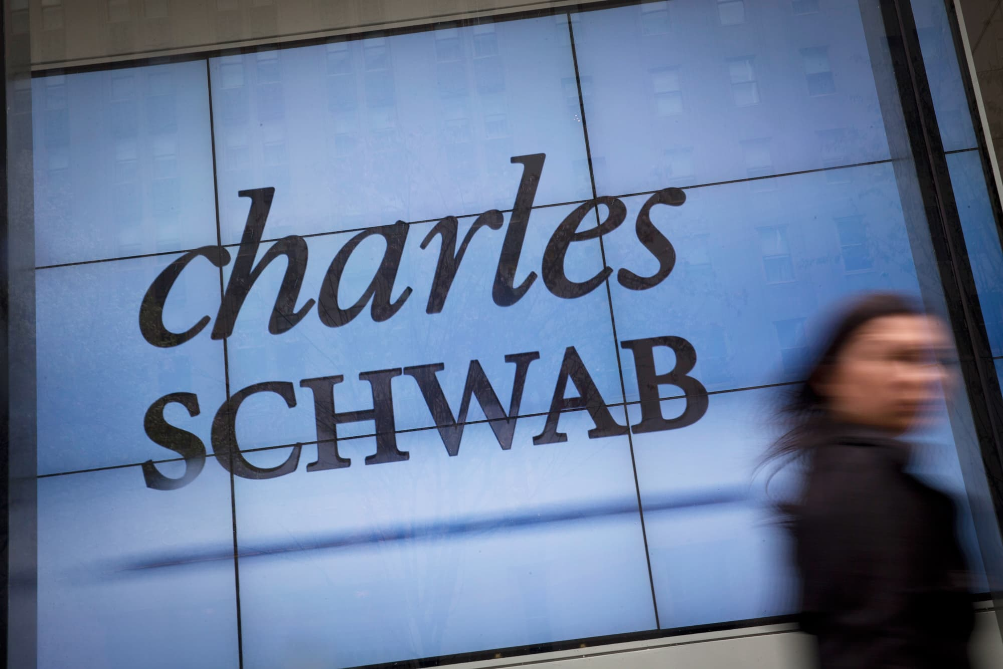 Schwab S Zero Fee Trading Kicked Off A Price War And Could