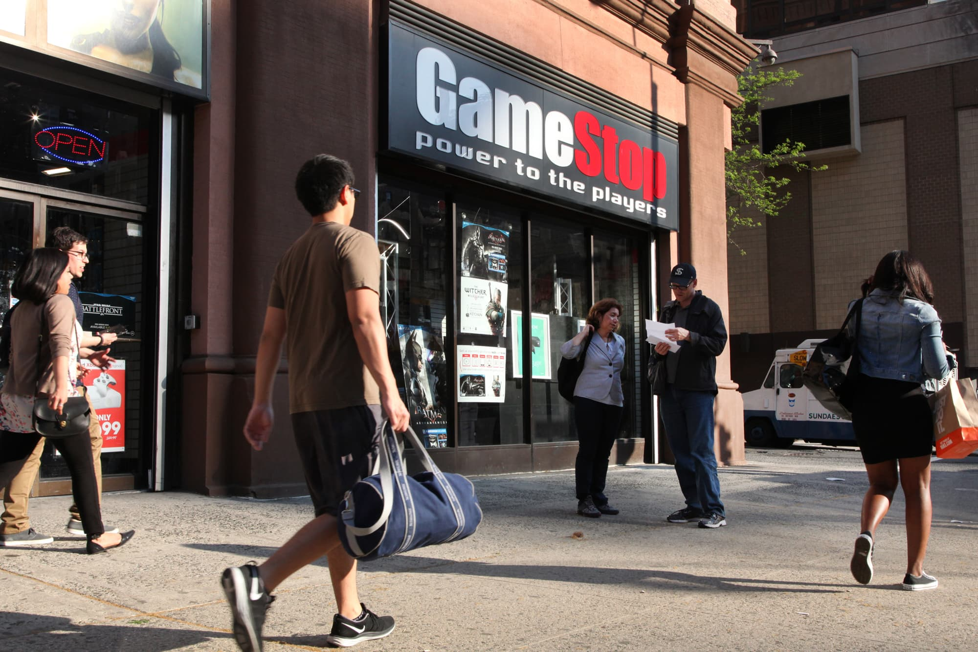 Gamestop Abandons Plan To Sell The Company Stock Craters