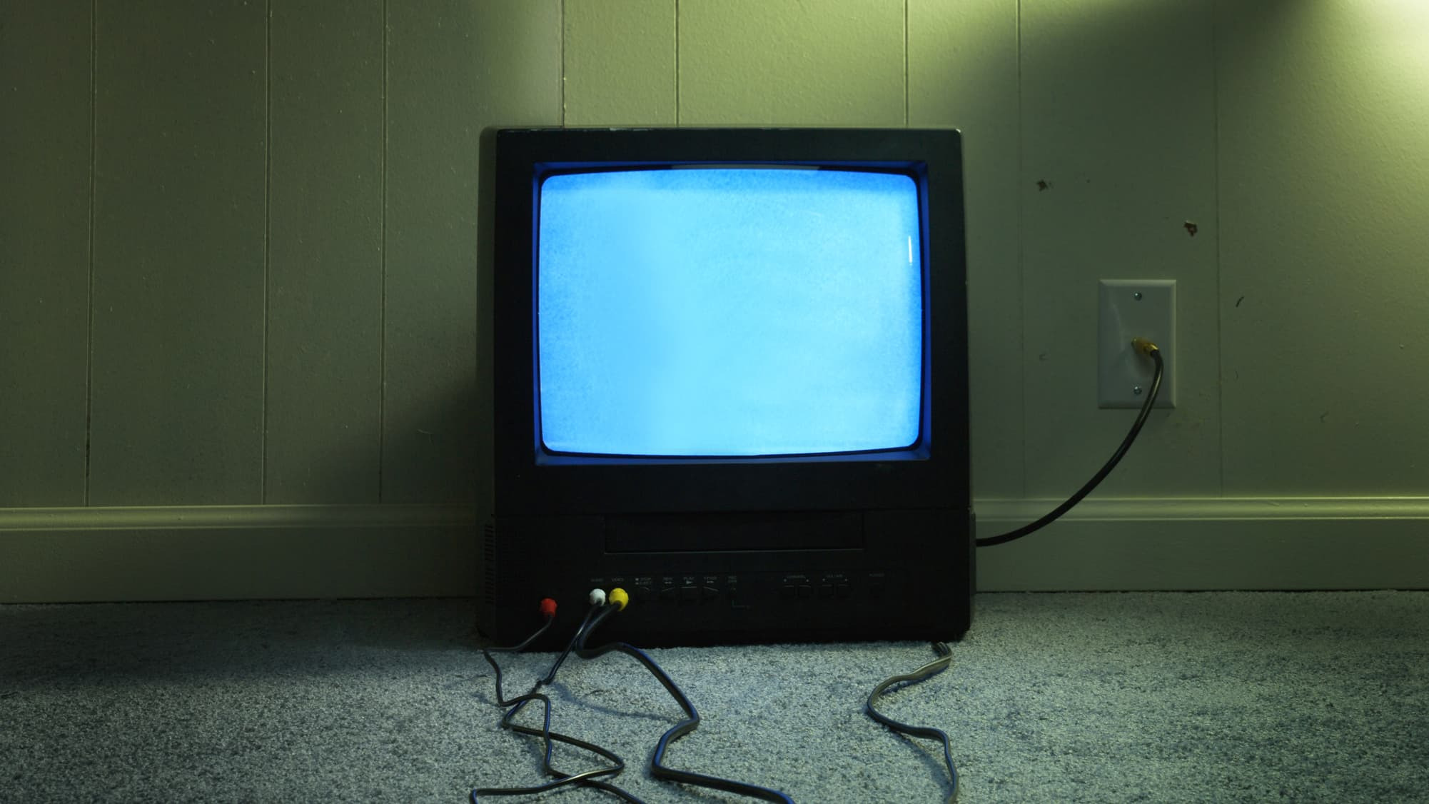 the future of cable may be no tv at all as one small company from arizona shows [ 2002 x 1126 Pixel ]