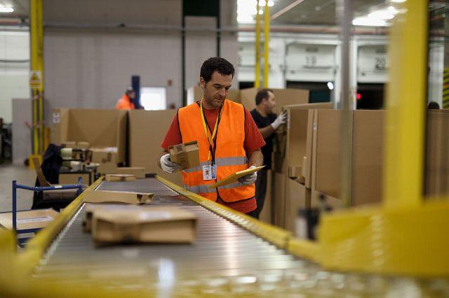 Subs: Amazon warehouse, shipping