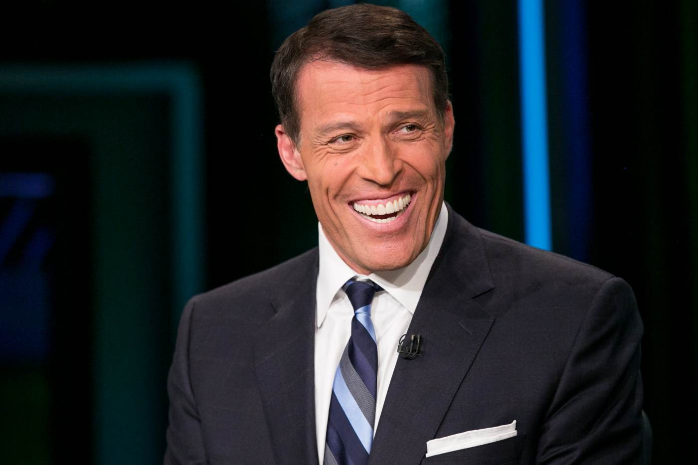 Tony Robbins Says Investing In Bitcoin Is Like Going To