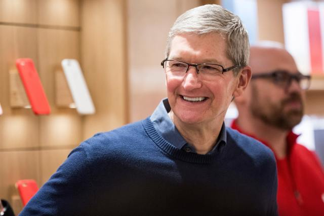 GS: Tim Cook Smile