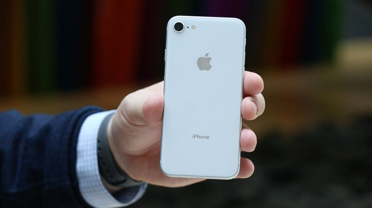 CNBC Tech: iPhone 8 review 8
