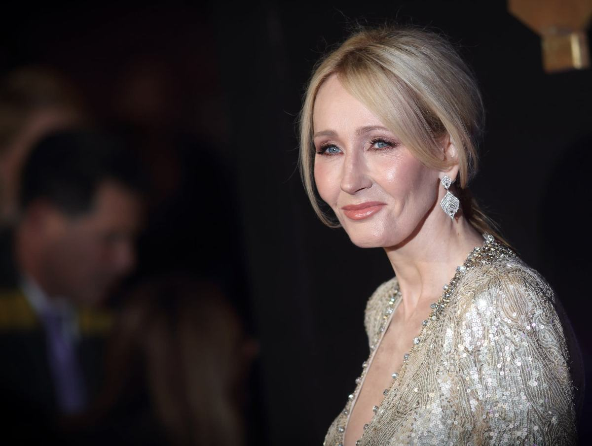Harry Potter author J.K. Rowling reveals writing routine on Twitter