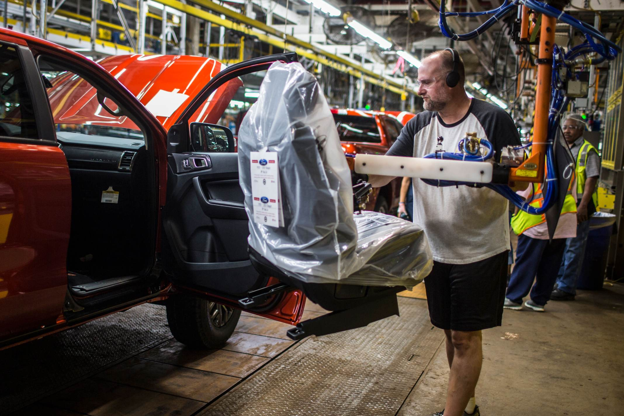 Ford to expand profitable truck lineup with new small ...