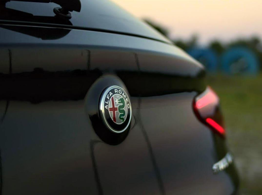 CNBC Tech: 2018 Alfa Romeo Stelvio Quadrifoglio 1
