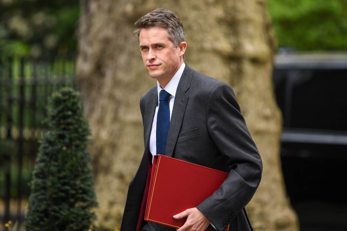 Gavin Williamson, U.K. defence secretary, arrives for a weekly meeting of cabinet ministers at number 10 Downing Street in London, U.K., on Tuesday, April 23, 2019.