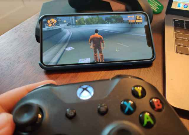 CNBC Tech: Xbox controller iOS 1 3