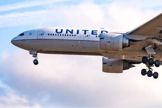 United Airlines to offer Hawaii-bound passengers rapid virus tests