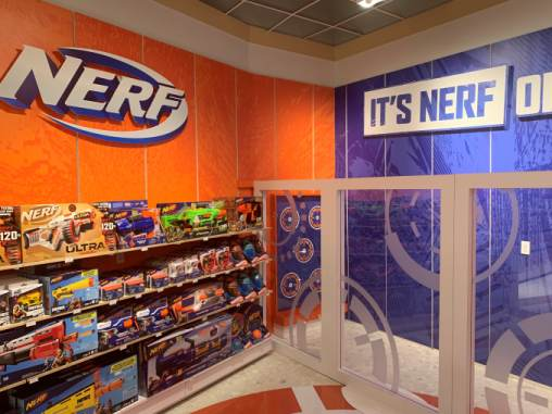 Toys R Us Is Back Here S A Look Inside Its First New