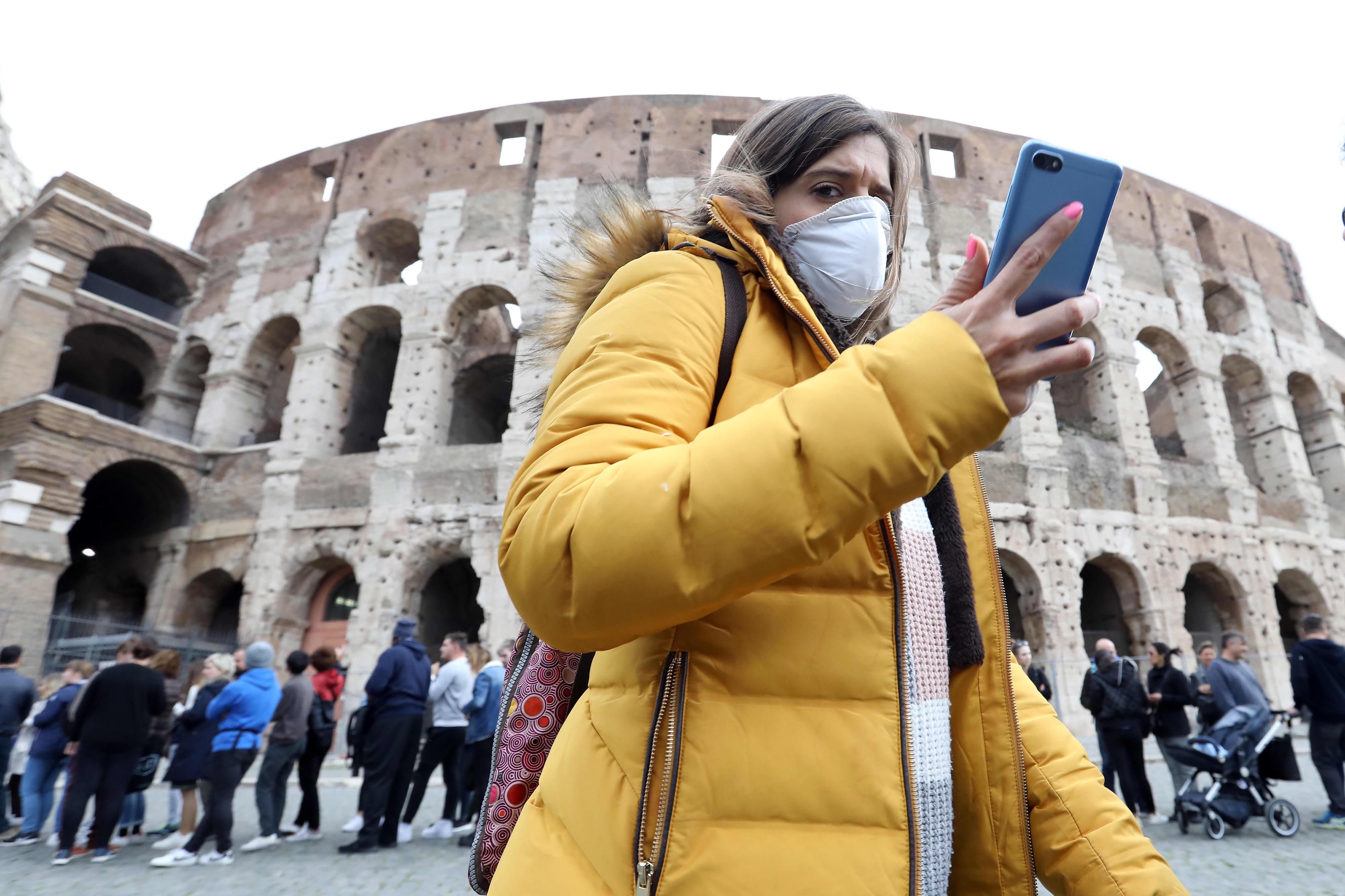 Coronavirus: Next seven days seen as decisive for Italy