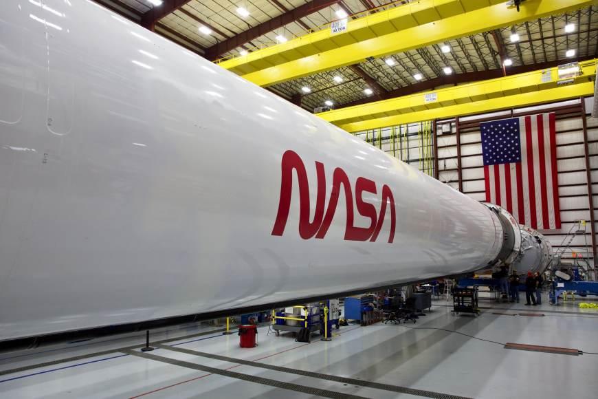 H/O: NASA logo SpaceX rocket 200403