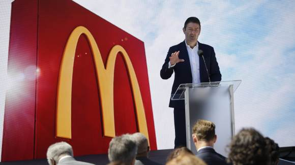 Steve Easterbrook, chief executive officer of McDonald's Corp., speaks during the opening of the company's new headquarters in Chicago, Illinois, U.S., on Monday, June 4, 2018.