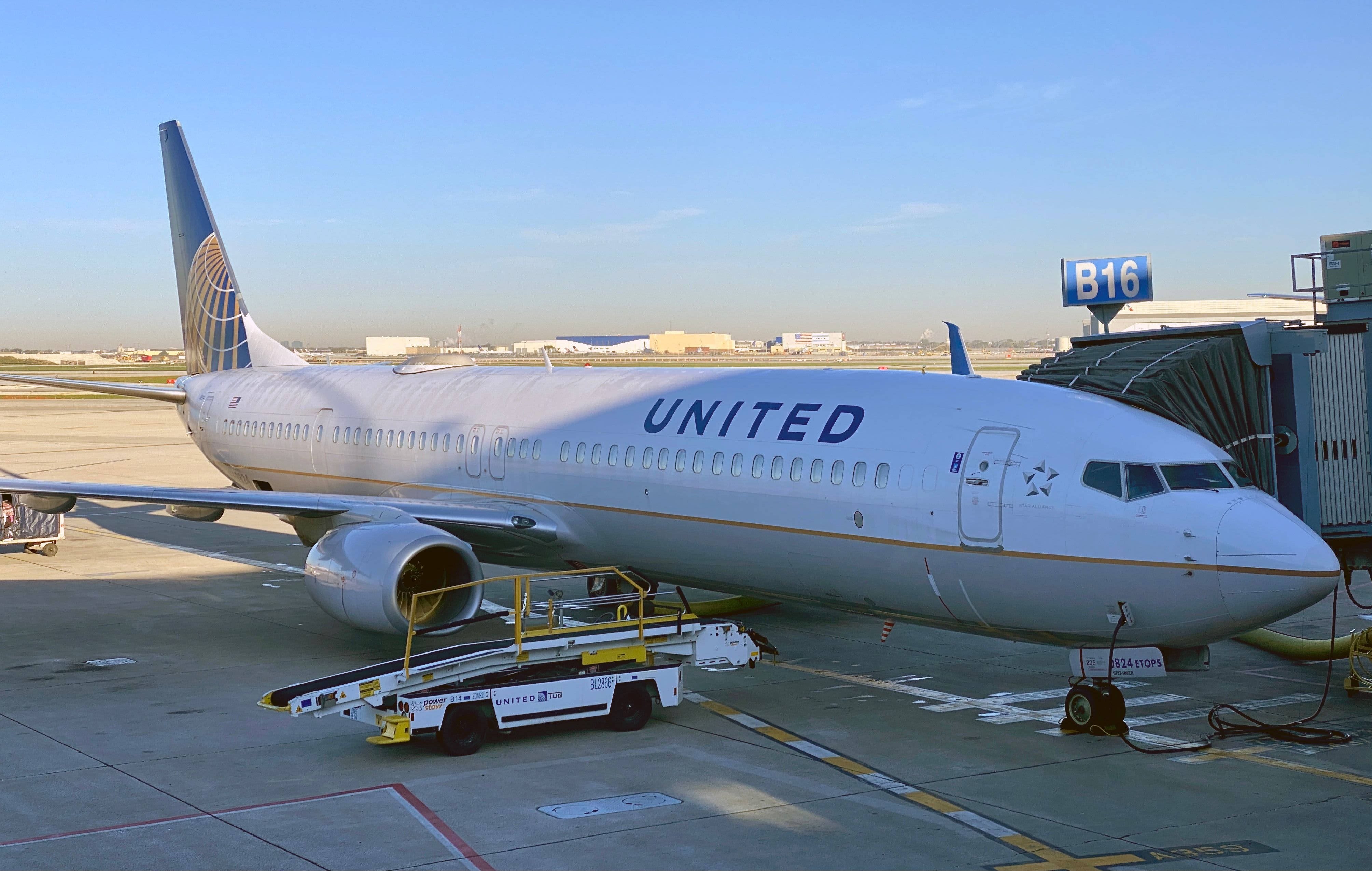 United Airlines tumbles 8% as business and international travel recovery still far off
