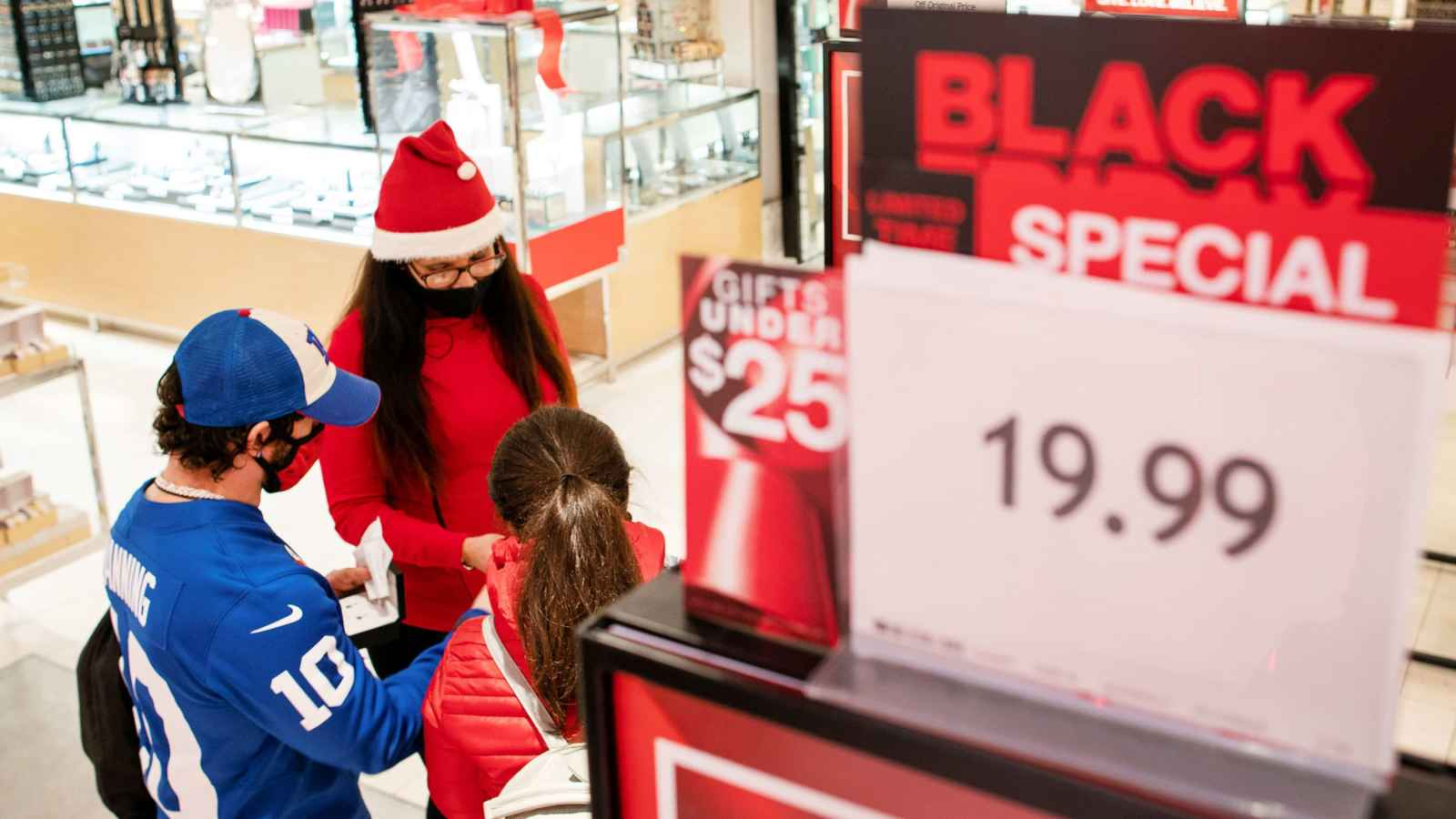 Tips to help you shop safely amid COVID-19 this holiday season