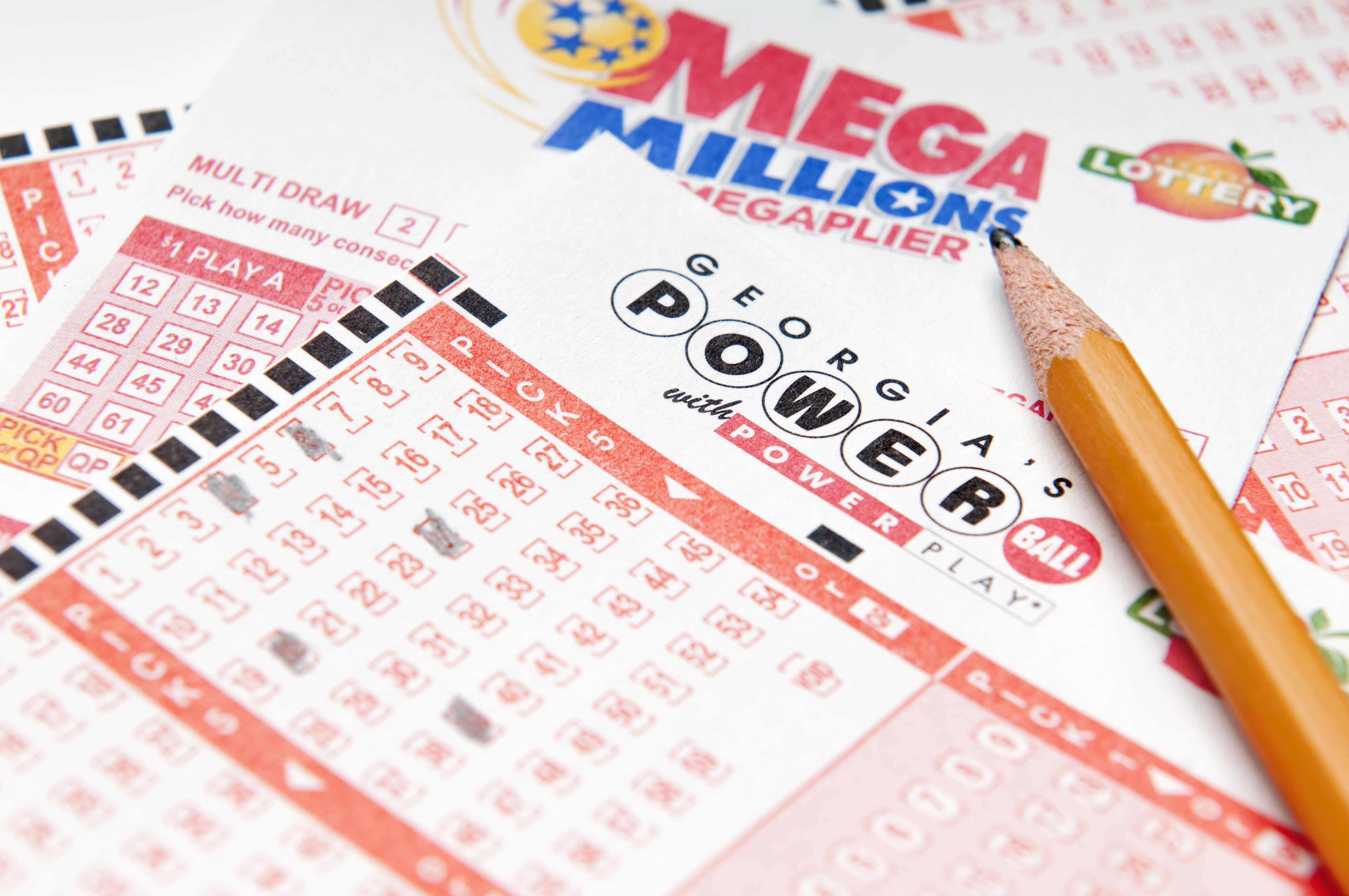 Mega Millions jackpot jumps to $432 million. Here's what to do if you win