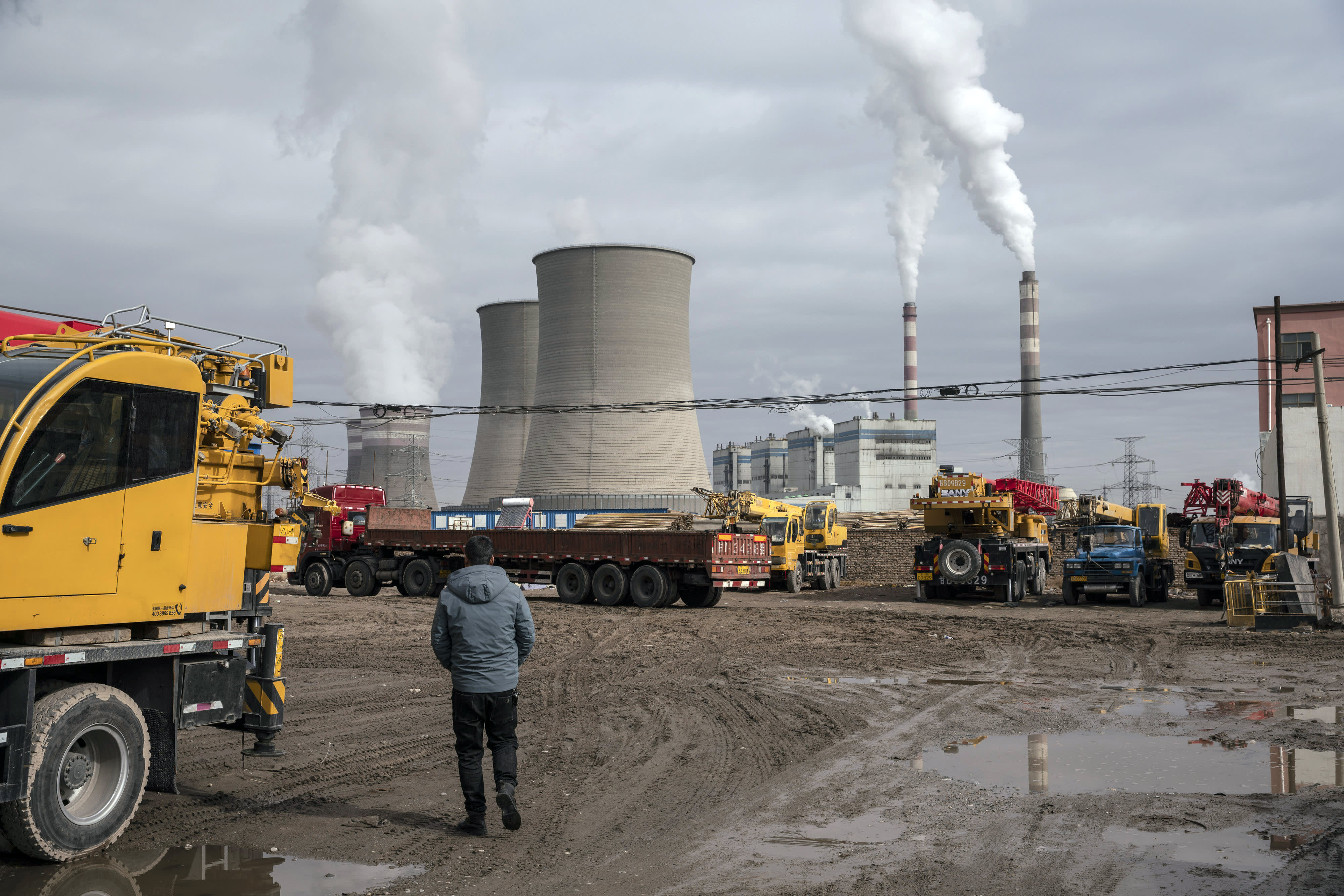 Climate expert calls on China and Japan to end financing of coal plants in poorer nations