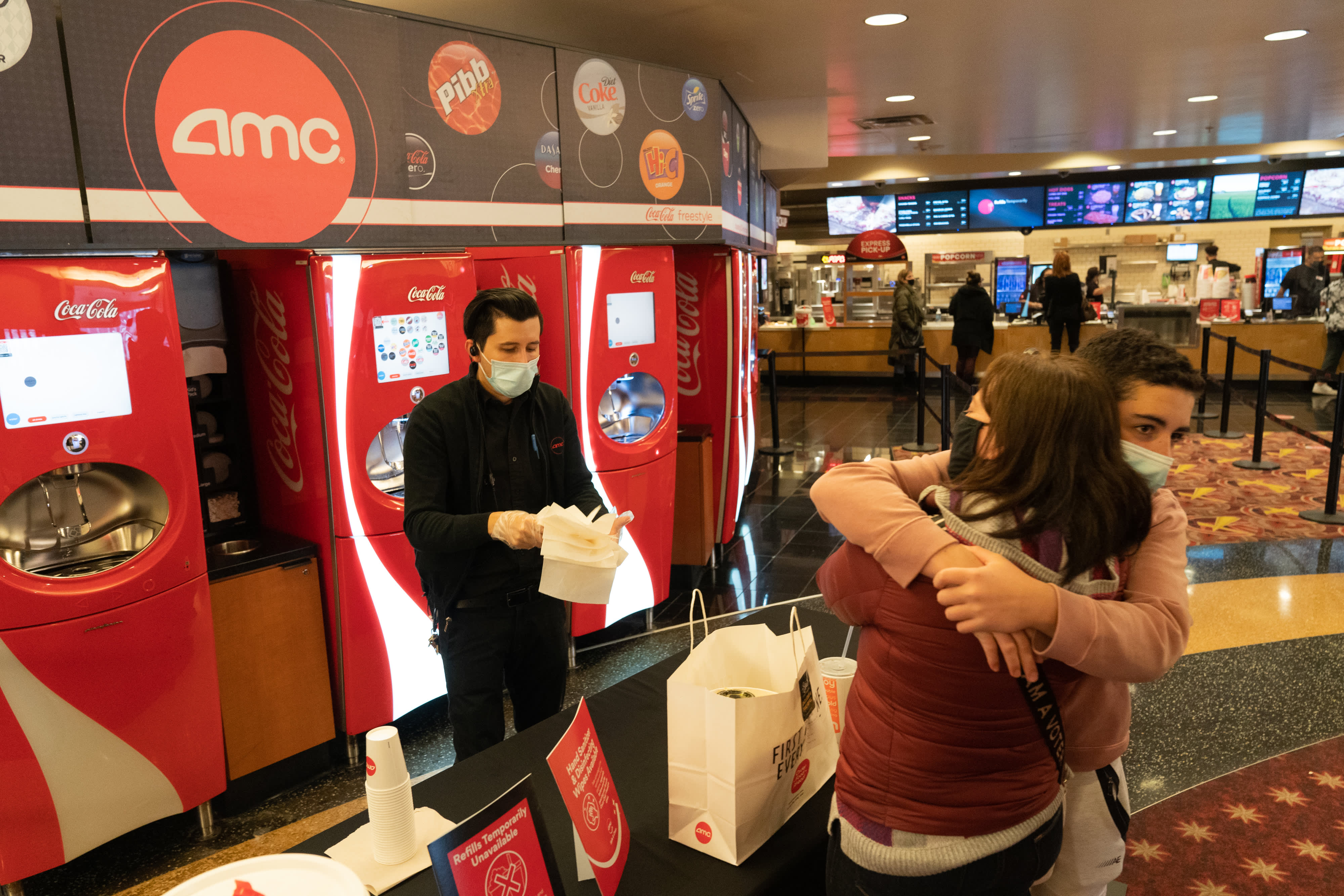 Federal government reopens grant applications for movie theaters, entertainment venues after failed launch