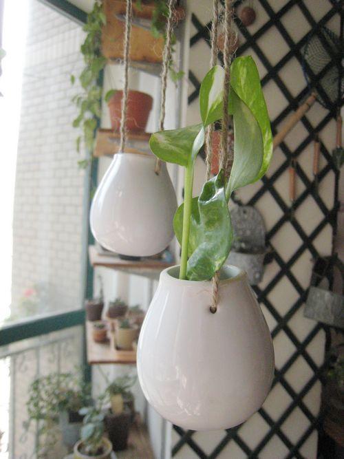 White Egg Shape Ceramic Hanging PlantersHanging Ceramic
