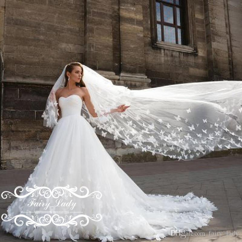 Stunning Butterfly 3d Floral Appliques Wedding Dresses