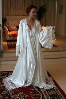 Chic Long Sleeves Cheap Bridesmaid And Bride Robes Custom