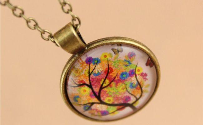GiftJewelryShop Bronze Retro Style Bahrain Flag Round Flower Pendant Charm Necklaces