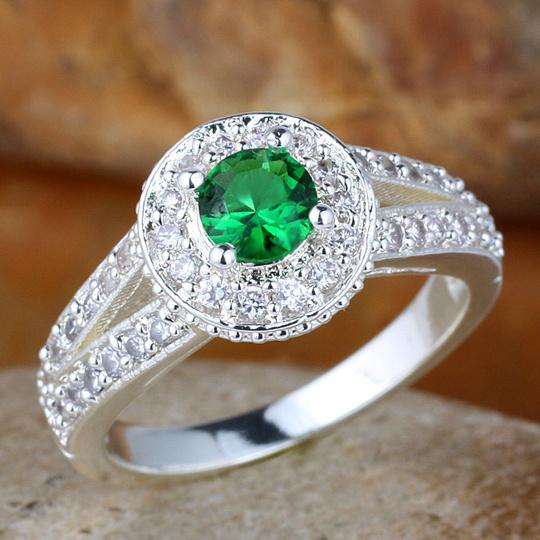 Women Green Emerald Wedding Band Ring Silver Ring Size 6