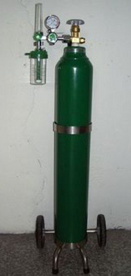 Medical Oxygen Cylinder With Trolleyid5437828 Product